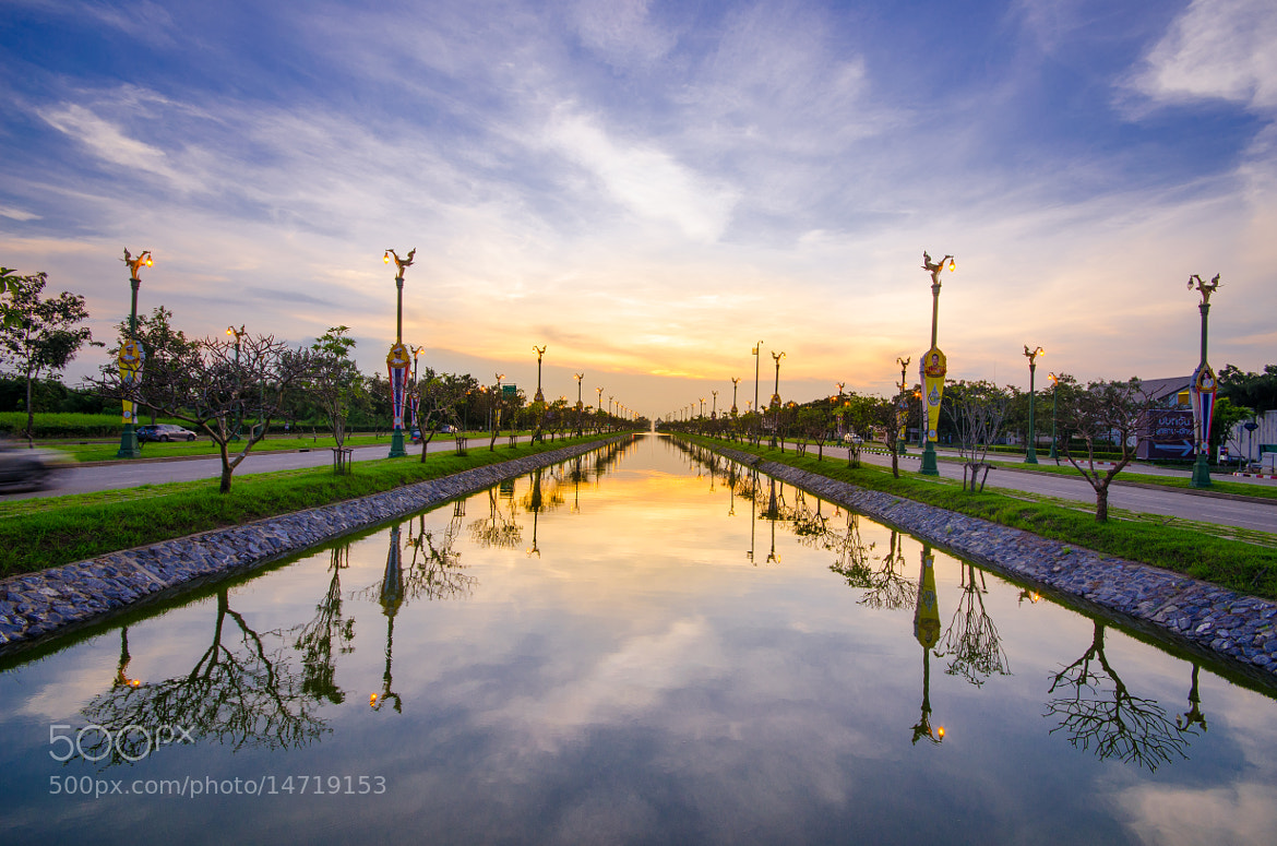 Photograph Up Side Down by Siwakorn Punyawatthananukool on 500px