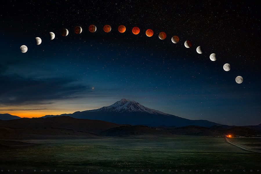 Lunar Eclipse Revisited (and updated) by Sean Bagshaw on 500px.com