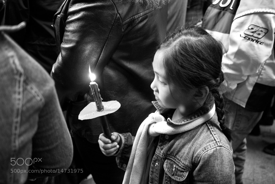 Photograph The girl and her candle by Eduardo Páramo on 500px