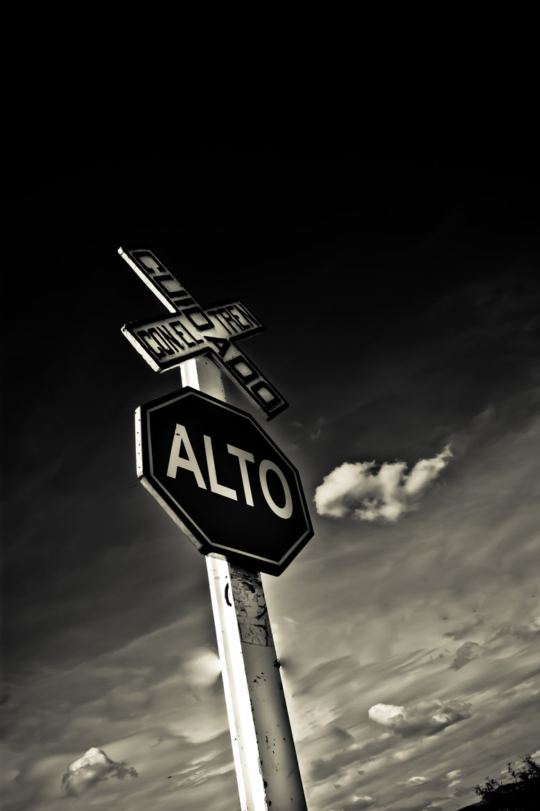 Photograph Alto / Stop  by Faby Molina on 500px