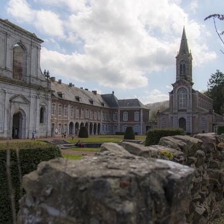 Abbaye d'Aulne cours intérieure