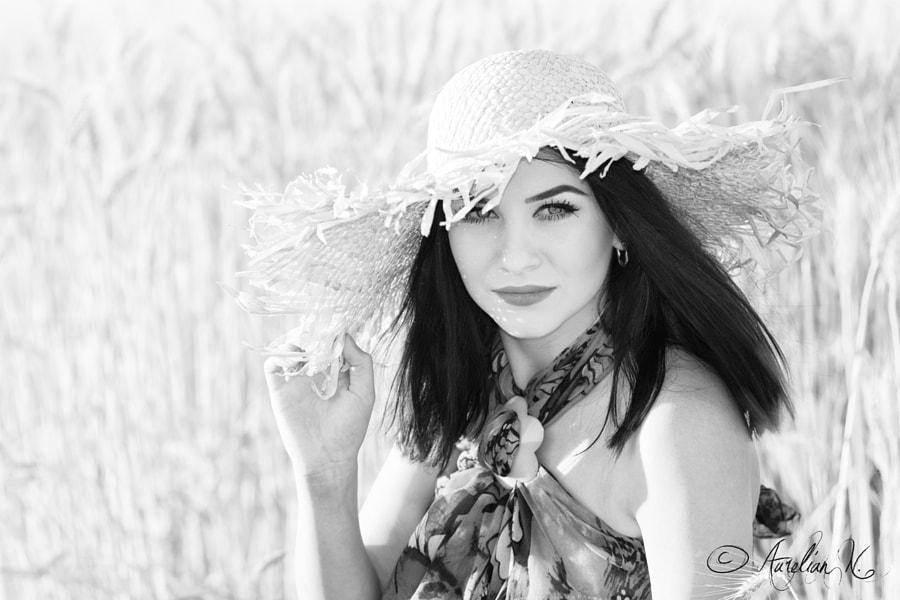 Mădălina on wheat field