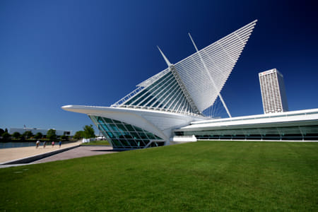 Milwaukee Art Museum by Alejandro Santiago on 500px