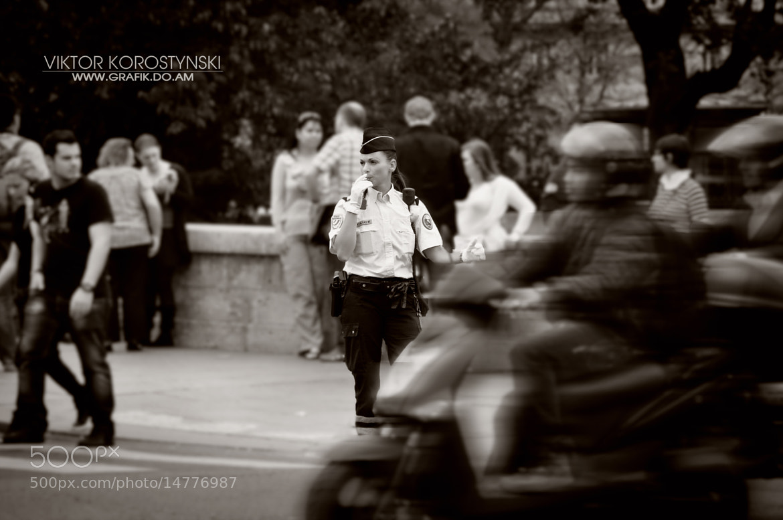 Photograph On the streets of Paris by Viktor Korostynski on 500px