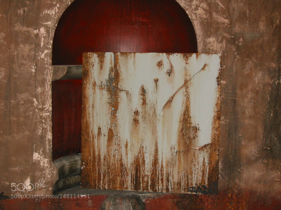 Faux rust aged plaster