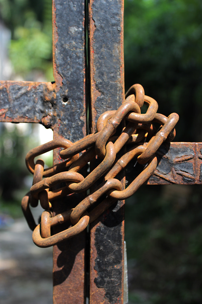 Photograph Cross chained by Patricia De la Lama on 500px
