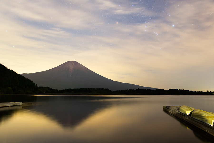 This is Mt.Fuji lighted by the moon light.