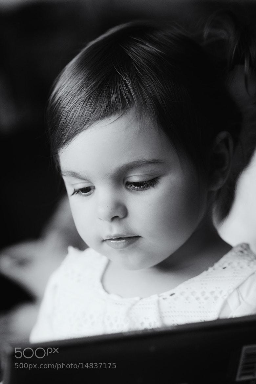 Photograph Gina's reading by Katalin Gerencsér on 500px