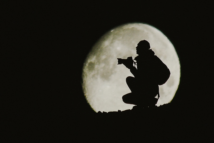 Photograph in the moon by Ivan Kislov on 500px