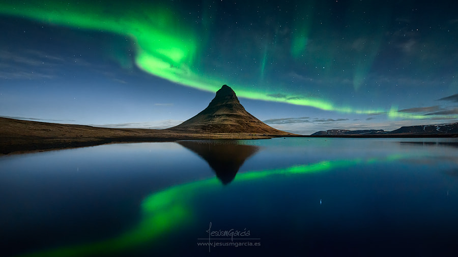 Kirkjufell Green Reflection by Jesús M. García on 500px.com