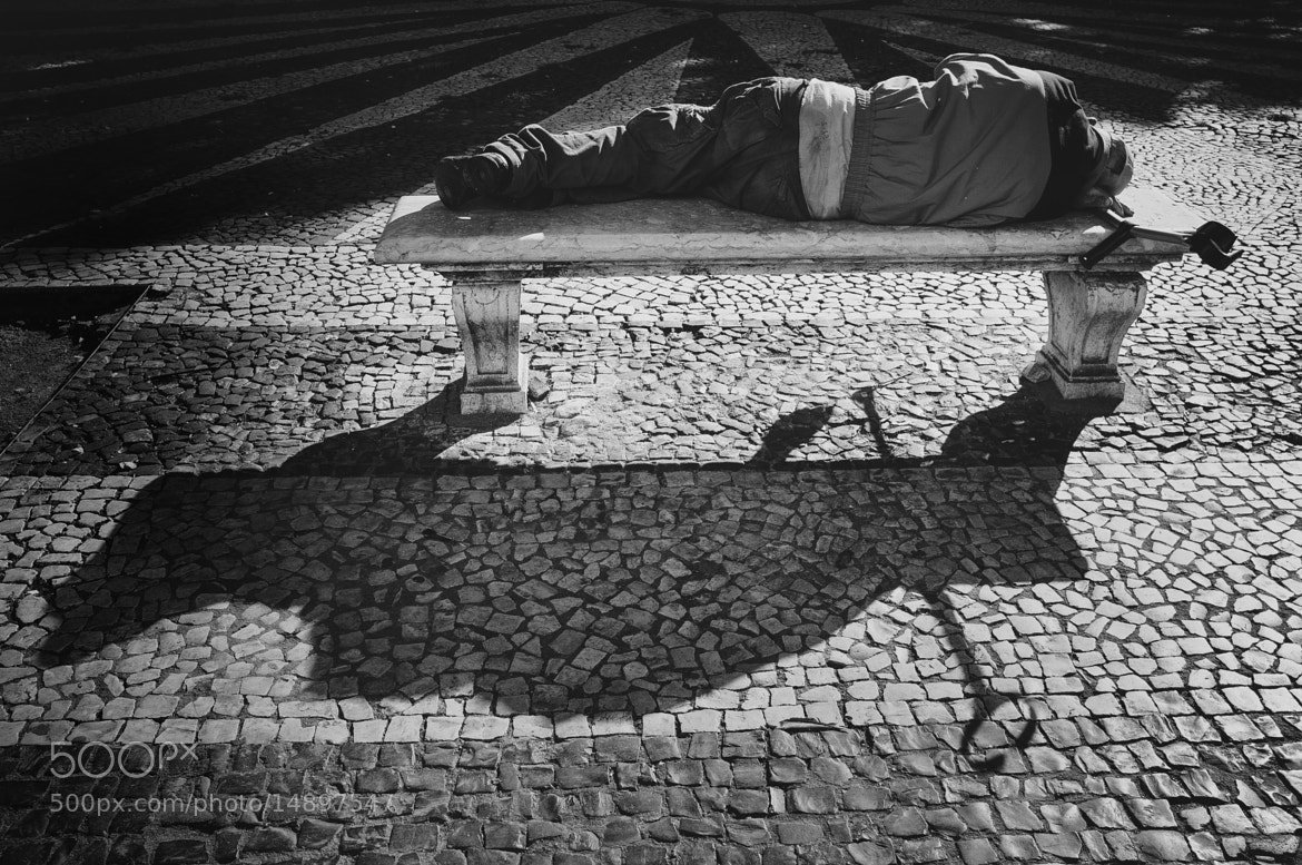 Photograph trying to warm by Rúben Almeida on 500px