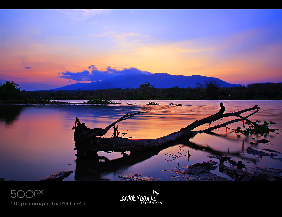 Photograph Lake Sampean Baru by Landak Ngantuk on 500px