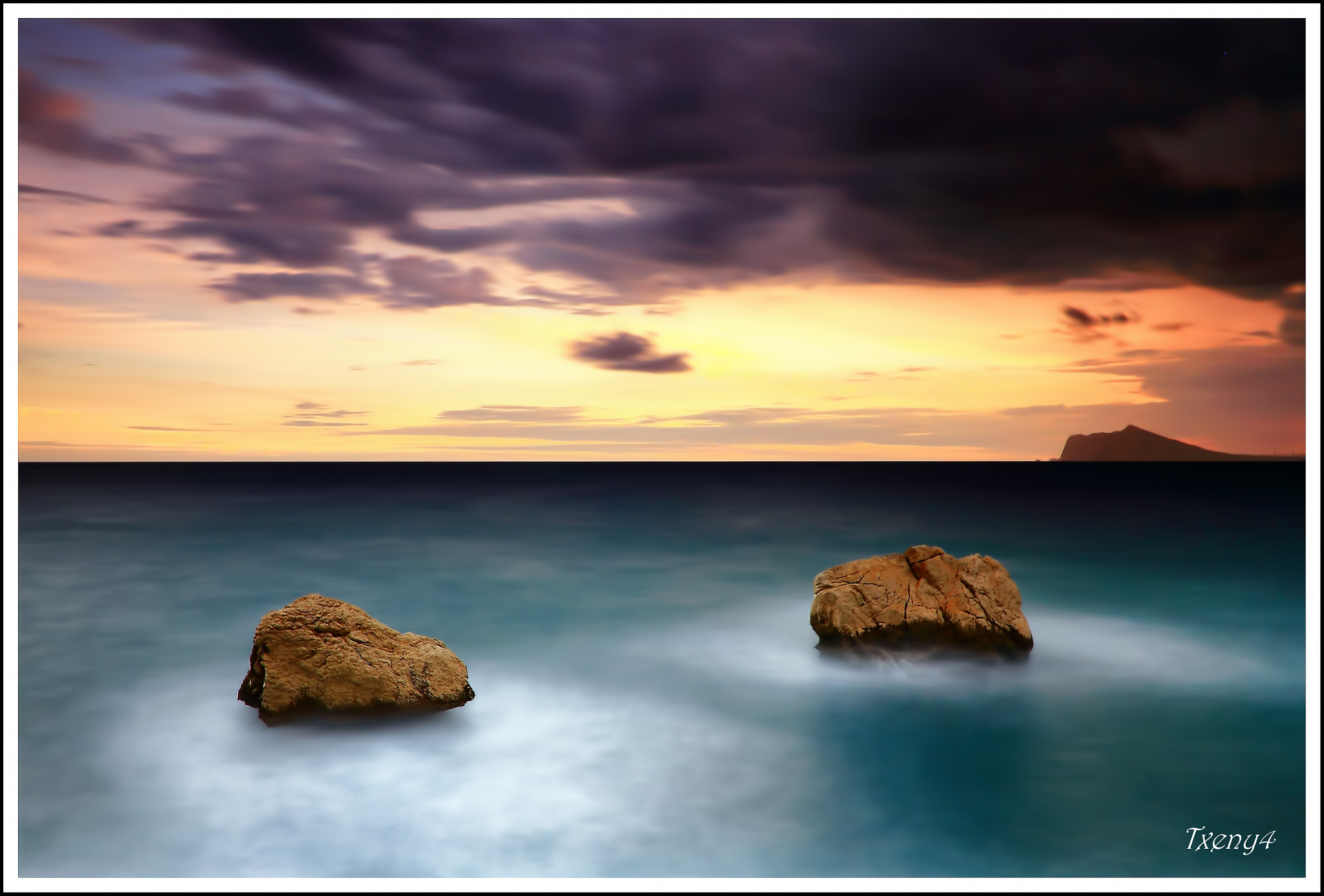 Photograph Two Sisters by Alfonso Béjar on 500px