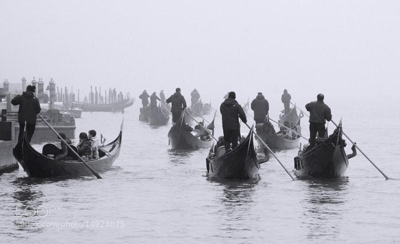 Photograph Gondoles dins la boira by Antoni Figueras  on 500px