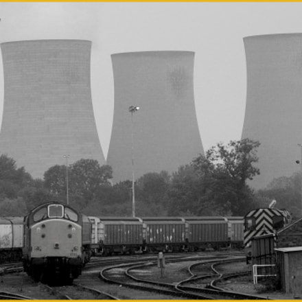 didcot yard, Canon EOS D30, Canon EF 75-300mm f/4-5.6 USM