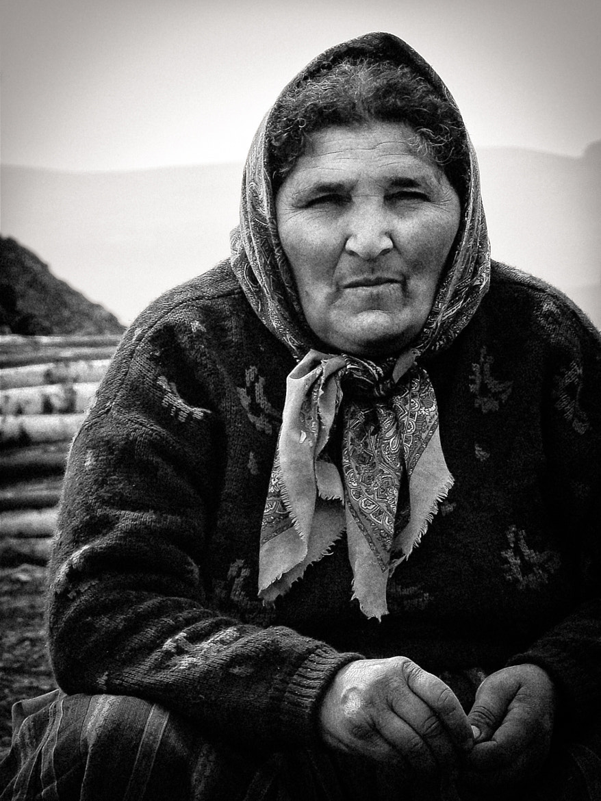 Photograph WOMAN WITH BASMA by Alessandro Galantucci on 500px