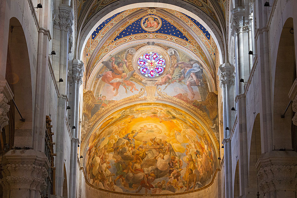 Photograph Lucca Cathedral ceiling by Laurence Berle on 500px
