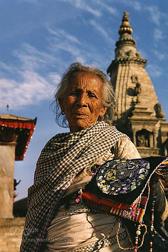 Photograph Old lady in Katmandu by Pelle Kjorling on 500px