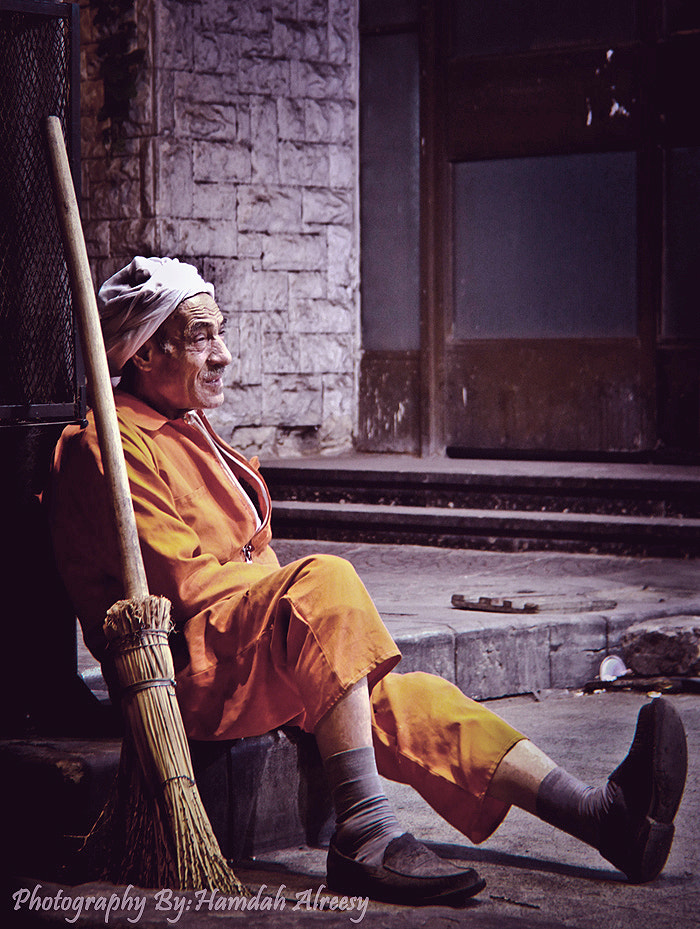 Photograph poor man by Hamdah Alreesy on 500px