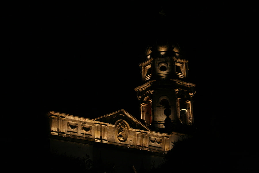 Bell tower of San Agustin church by Félix Urbina on 500px.com