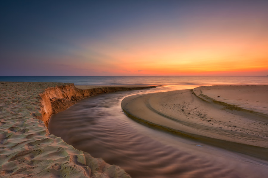Cruve of sand with Sunset, Seascape karon beach Phuket by Jitawat Chanpraneet on 500px.com