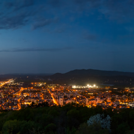 Vratsa at night