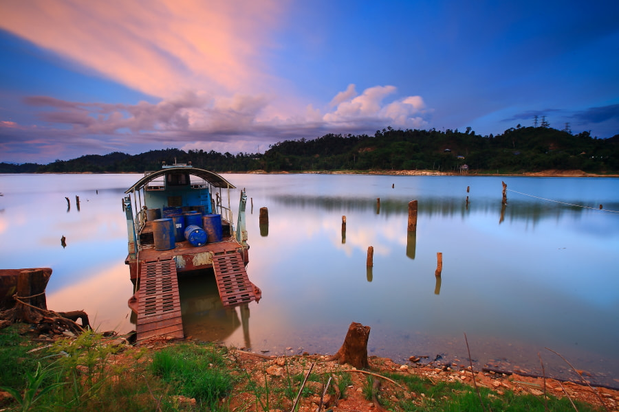 Photograph Abandoned by Tuan Zhariff Zakaria on 500px