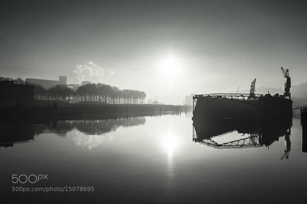 Photograph Dock Flottant by Jean-Baptiste Poulain on 500px