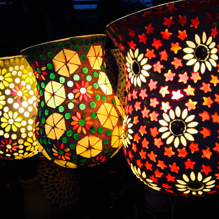 colourful handmade lamps, Samsung GT-i7500