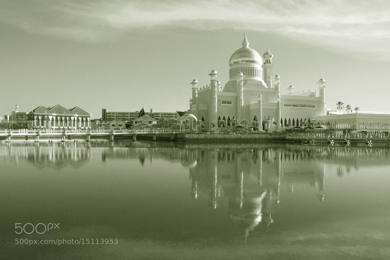 Photograph Sultan Omar Ali Saifuddin Mosque by Vey Telmo on 500px