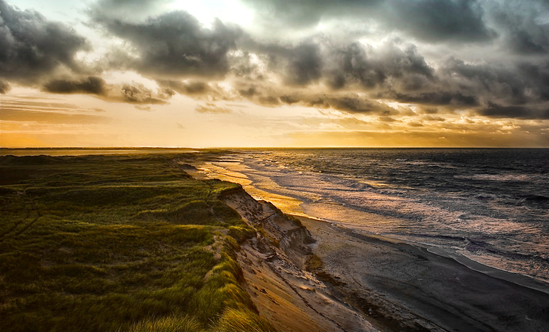 Photograph above the sea by Sonja Probst on 500px