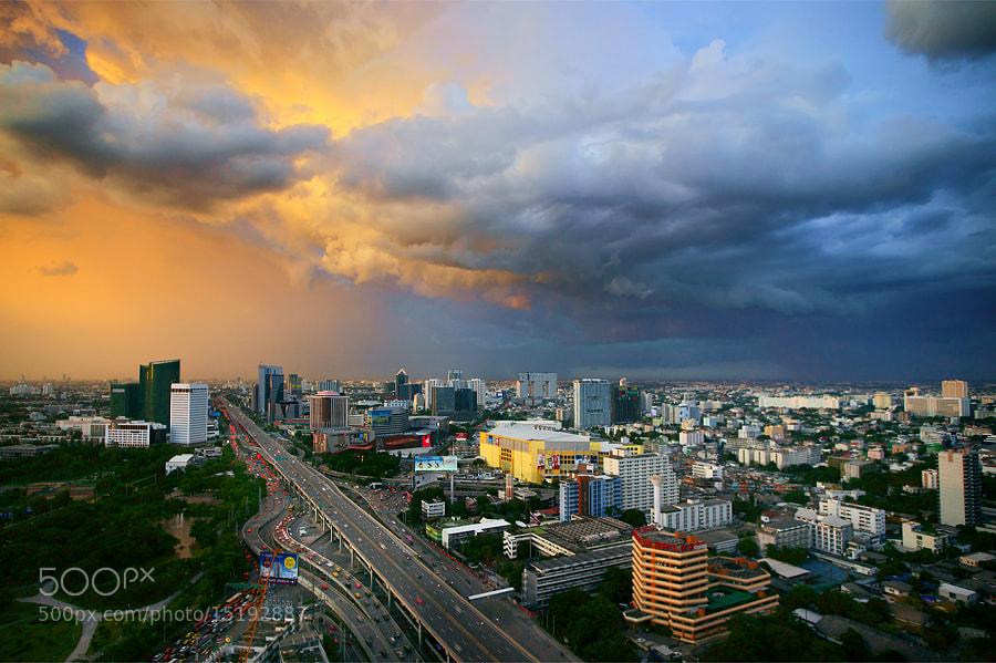 Photograph Devil x Angel by Taradol Chitmanchaitham on 500px