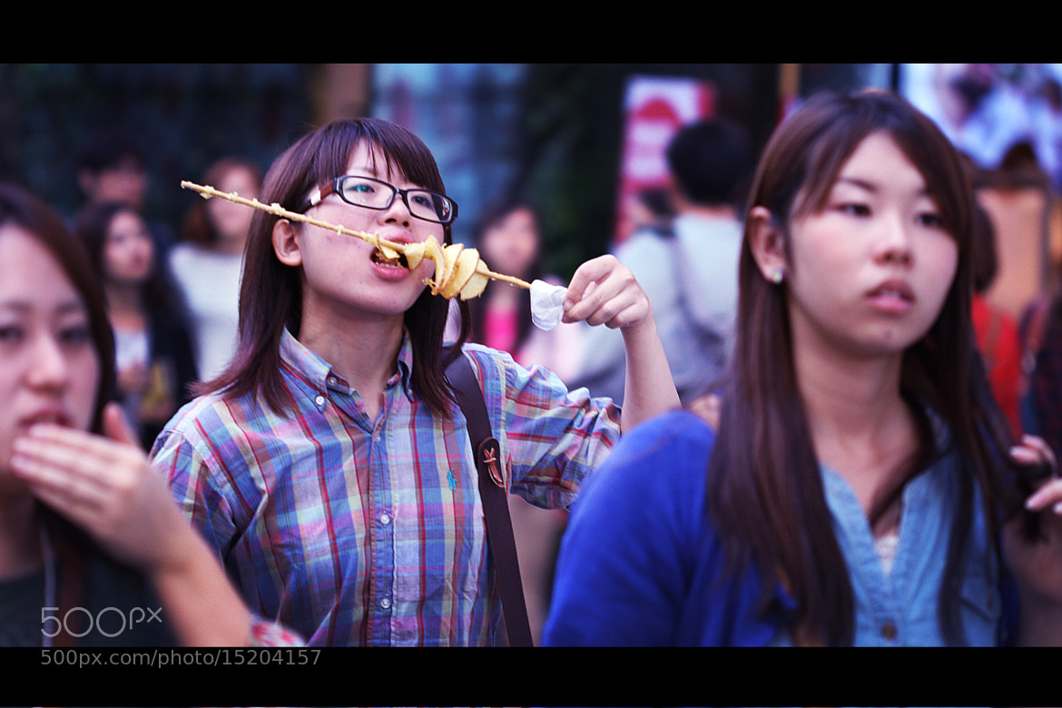 Photograph Seoul street - Hungry woman by L'Oiseau Rose on 500px