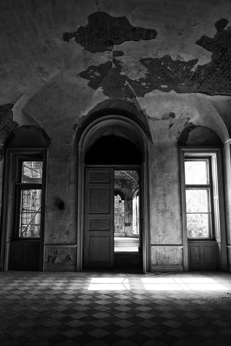 Photograph castle in ruins 1 by Balazs Bodoni on 500px