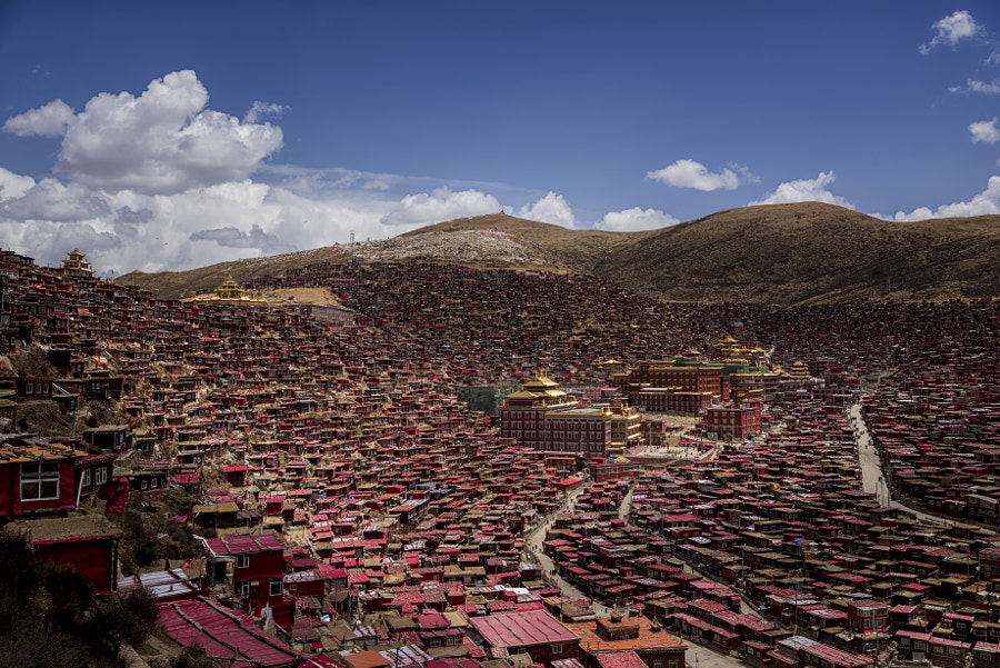 Larung gar(Buddhist Academy)  way in Sichuan, China by PanatFoto Acare on 500px.com