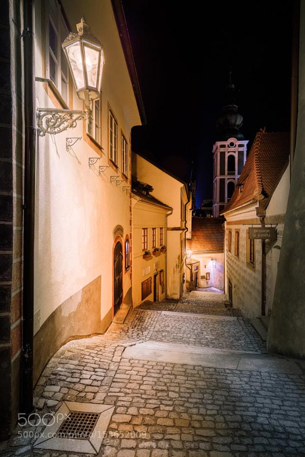 In the small alleys of Český Krumlov by night