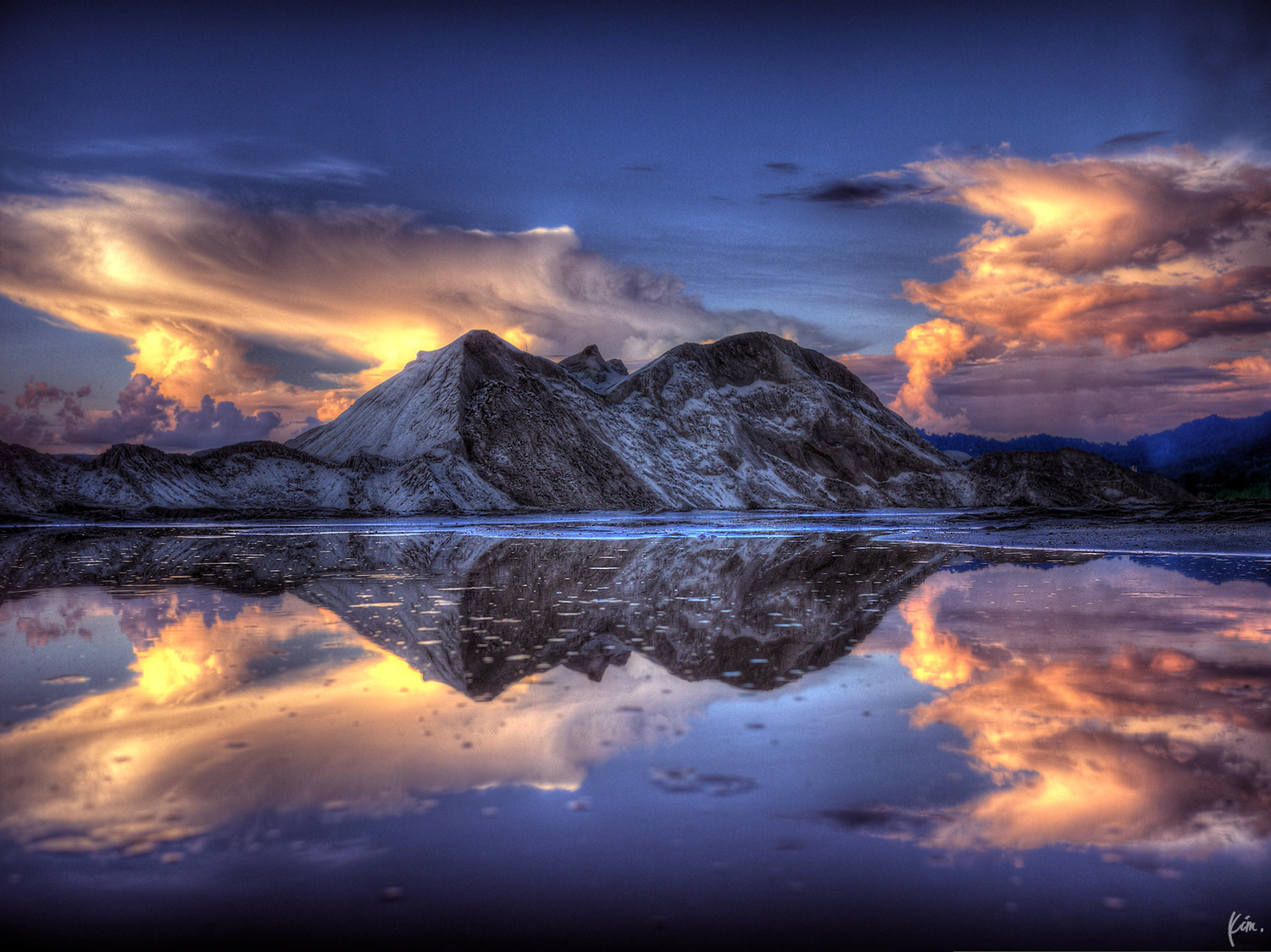 Photograph The Reflection by Kim Thong Zuk  on 500px