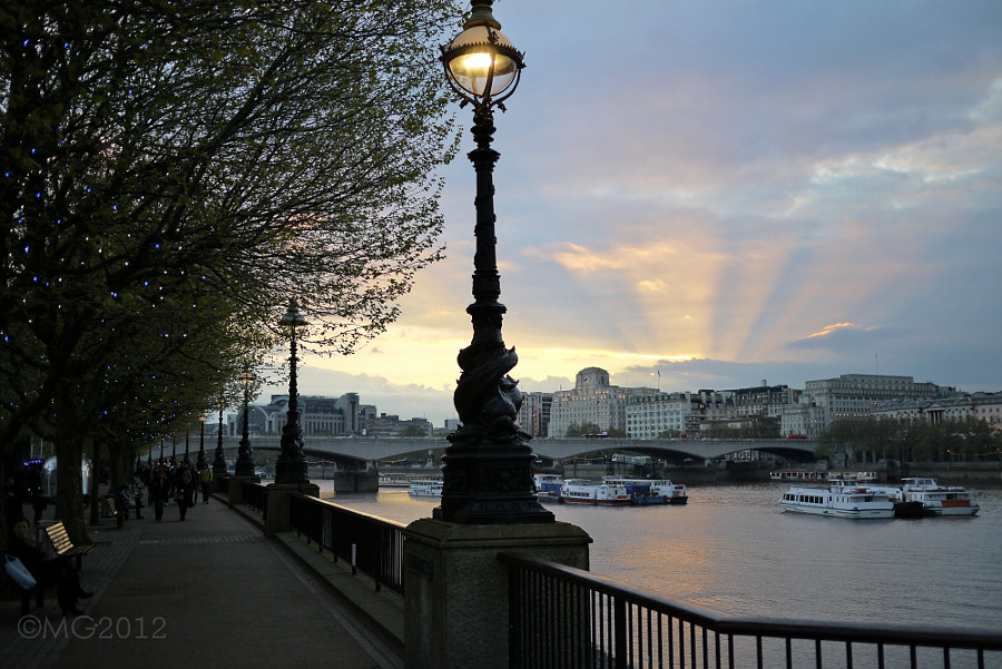 Dying Light over the Thames