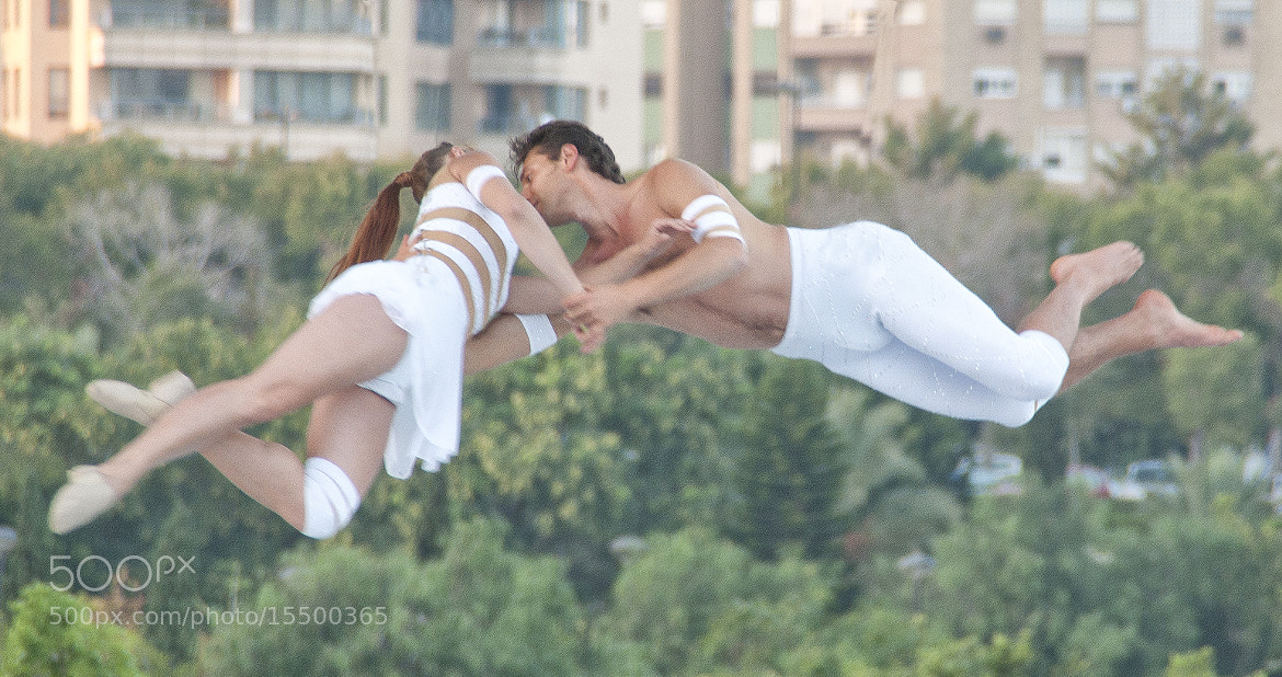 Photograph dancing in the air by José Luis Sebastiá Benito on 500px