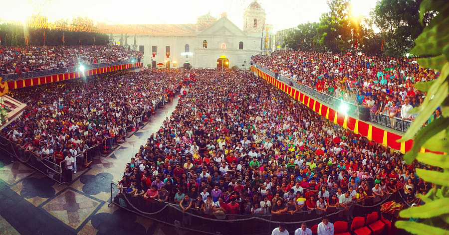 Sinulog weekend mass by Maven Morefield on 500px.com