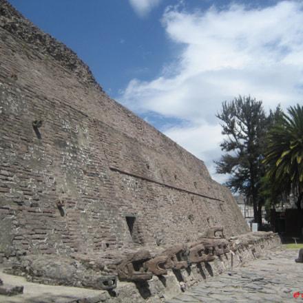 Pirámide en Tenayuca. Edo. de México