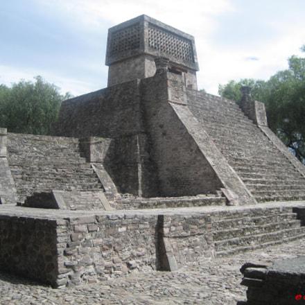 Píramide en Sta. Cecilia, Edo. de México