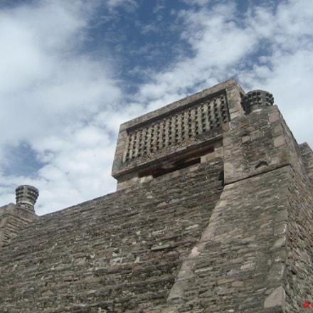 Píramide en Sta, Cecilia, Edo, de México