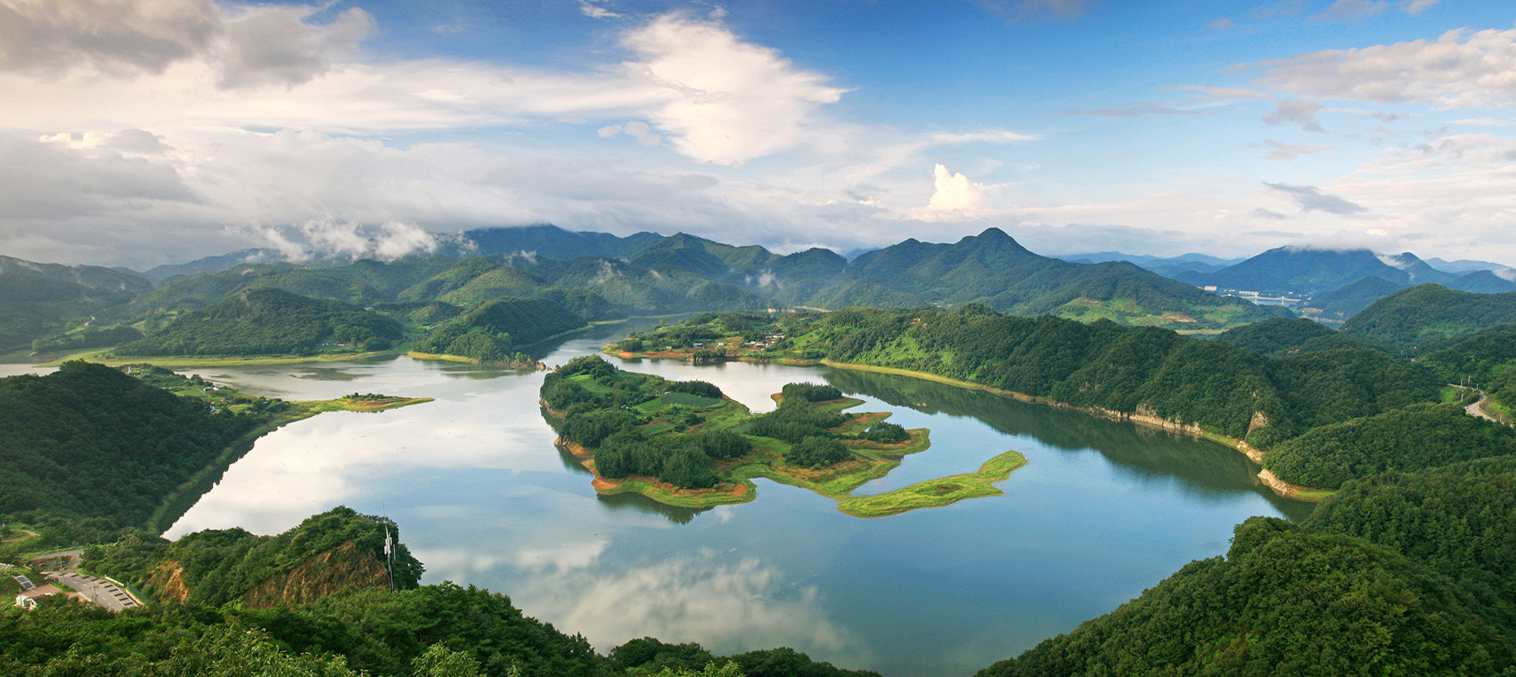 Photograph the Lake of Oak_Jung by Sun Byoung Park on 500px