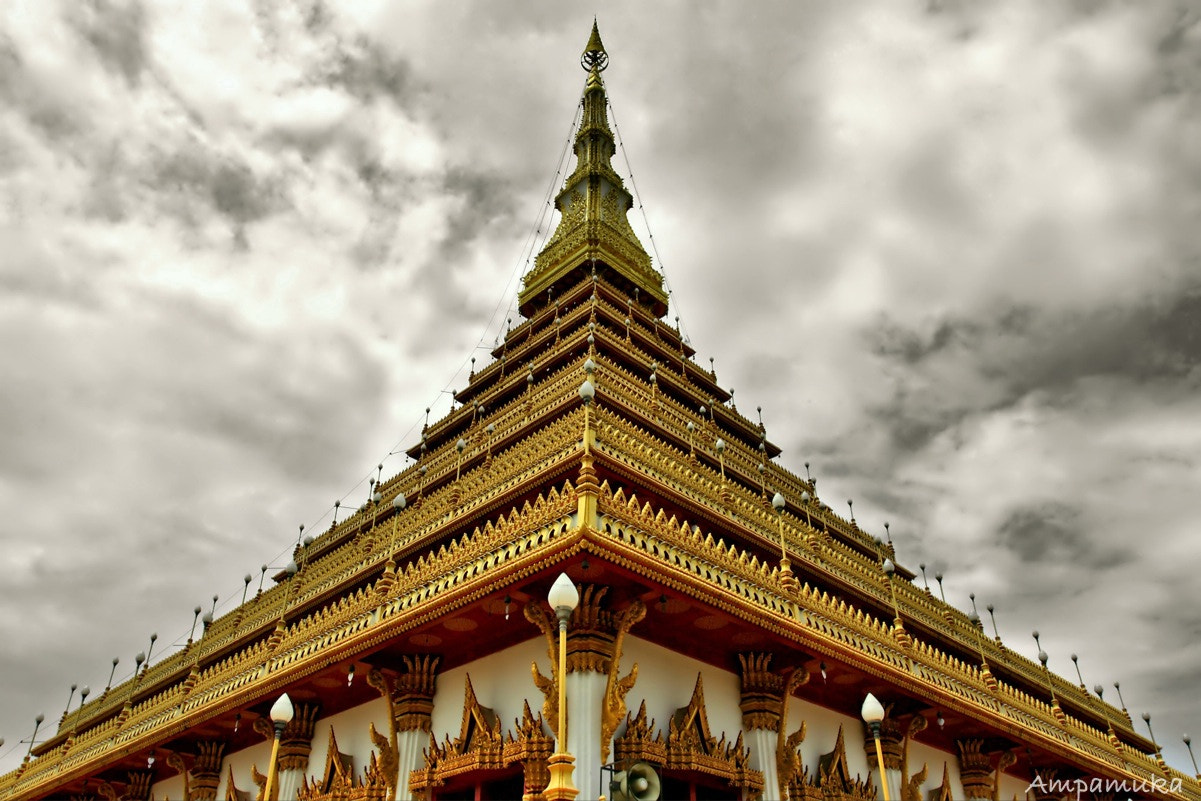 Photograph Triangle Pagoda by Suradej Chuephanich on 500px