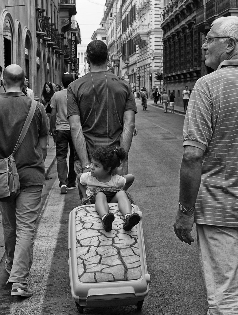 Photograph Up and down the high street by Giuseppe Grimaldi on 500px