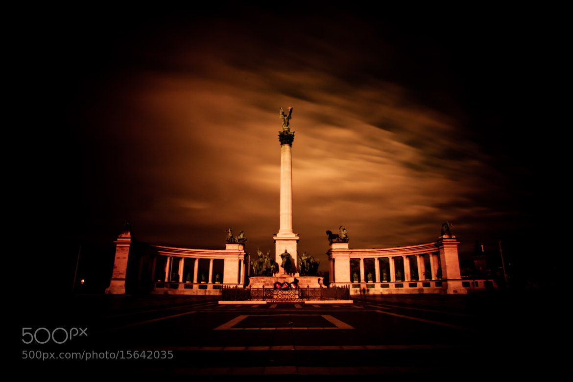 Photograph heroes' Square by Ottó Hargita on 500px