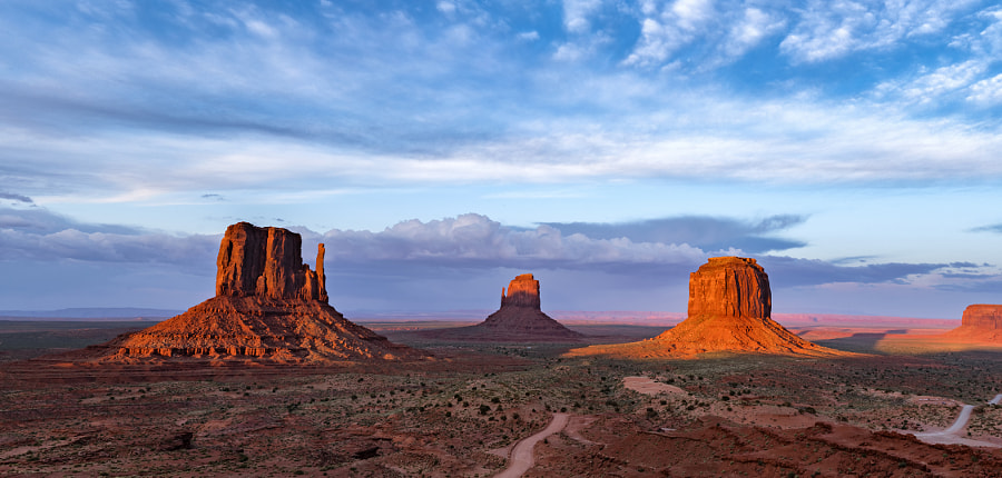 Fantastic Light at Monument Valley by David Soldano on 500px.com