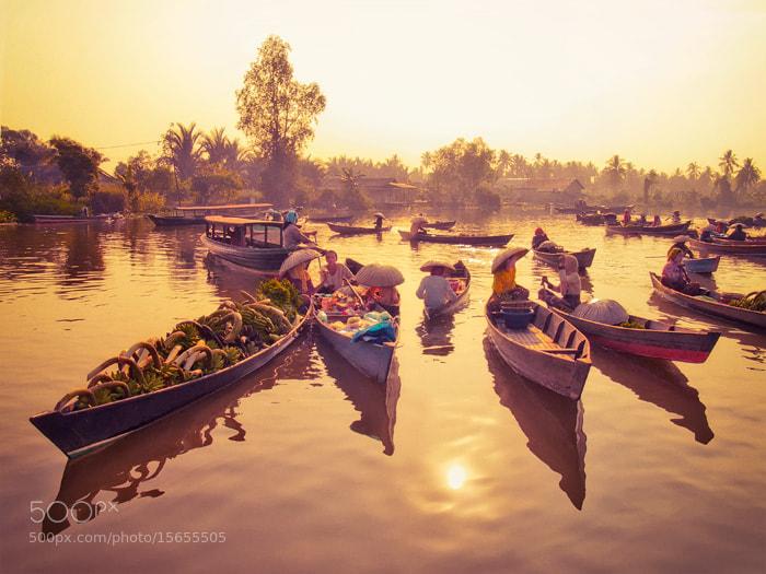 Photograph Lok Baintan Floating Market in The Morning by Ferdi Vesa on 500px