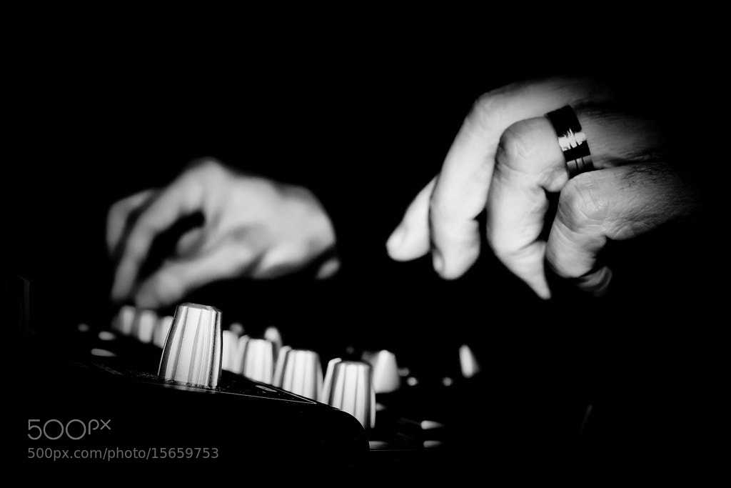 Photograph hand in the black by filippo mastrantoni on 500px